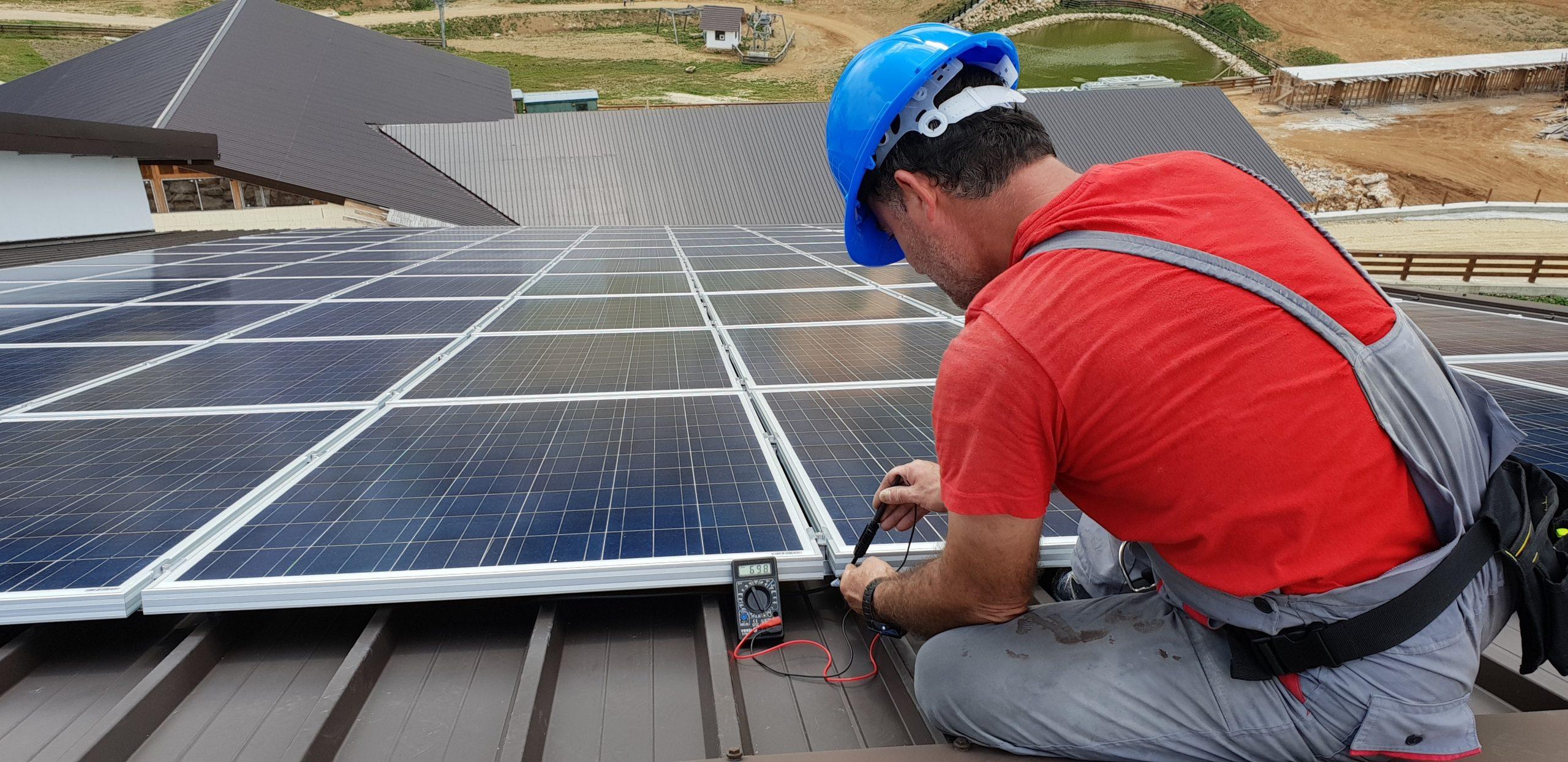 MERCADO DE ENERGIA SOLAR TRIPLICOU NO BRASIL NO ÚLTIMO ANO