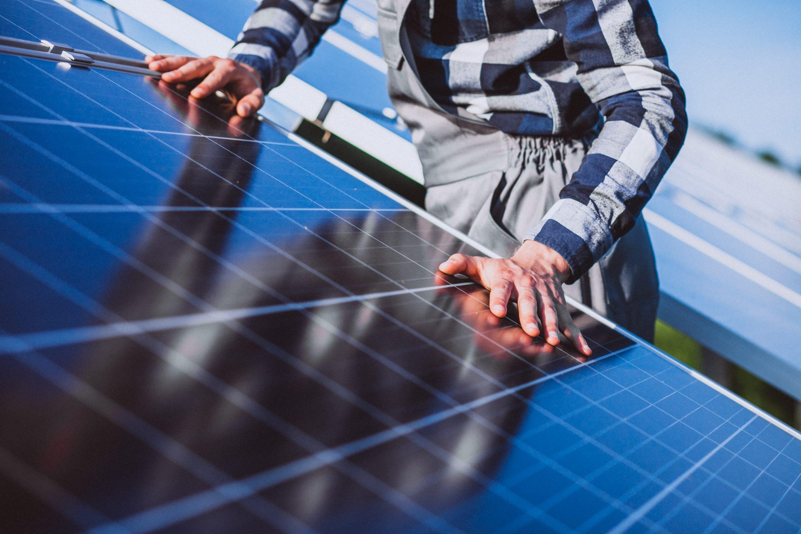 5 MOTIVOS PARA ADOTAR A ENERGIA SOLAR RESIDENCIAL