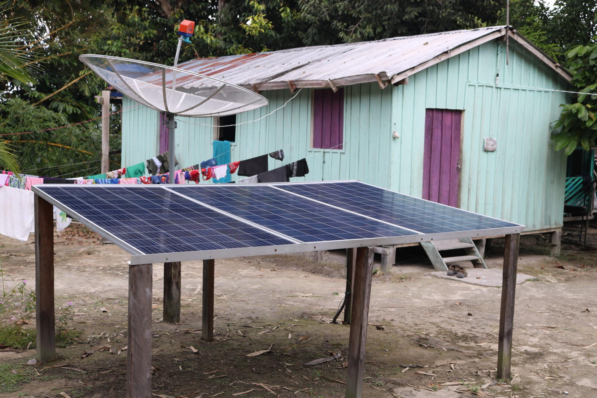 Energia solar avança nas comunidades ribeirinhas da Amazônia