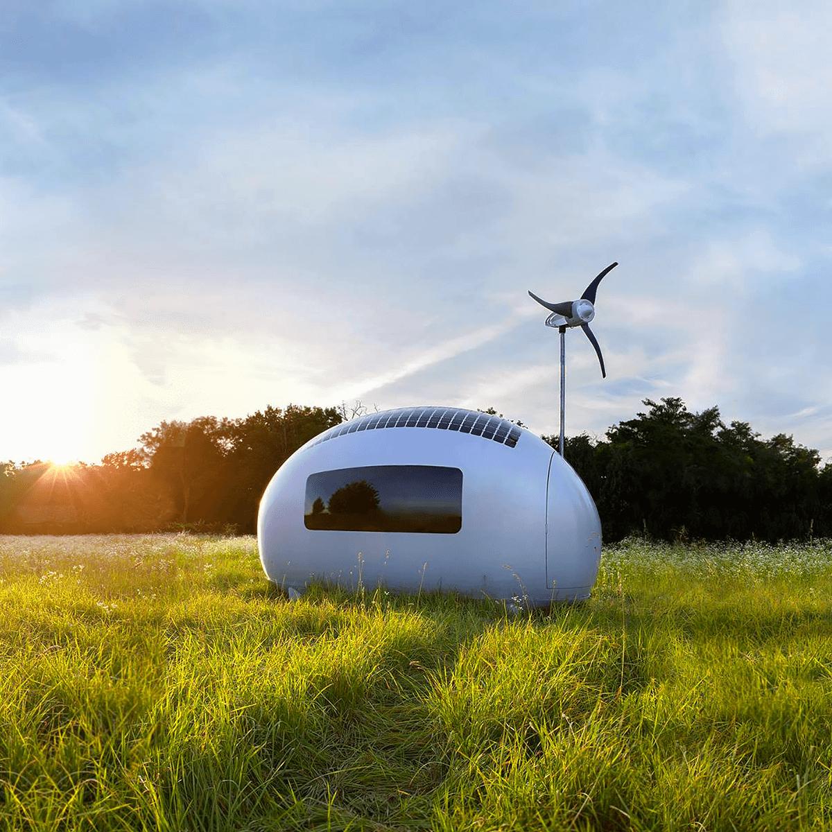 Estúdio Nice Architects projeta casa de oito metros quadrados abastecida por energia solar e eólica