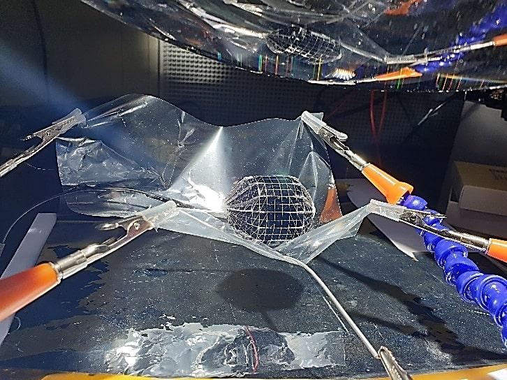 Pesquisadores sauditas desenvolvem painéis solares esféricos de silício mais eficientes