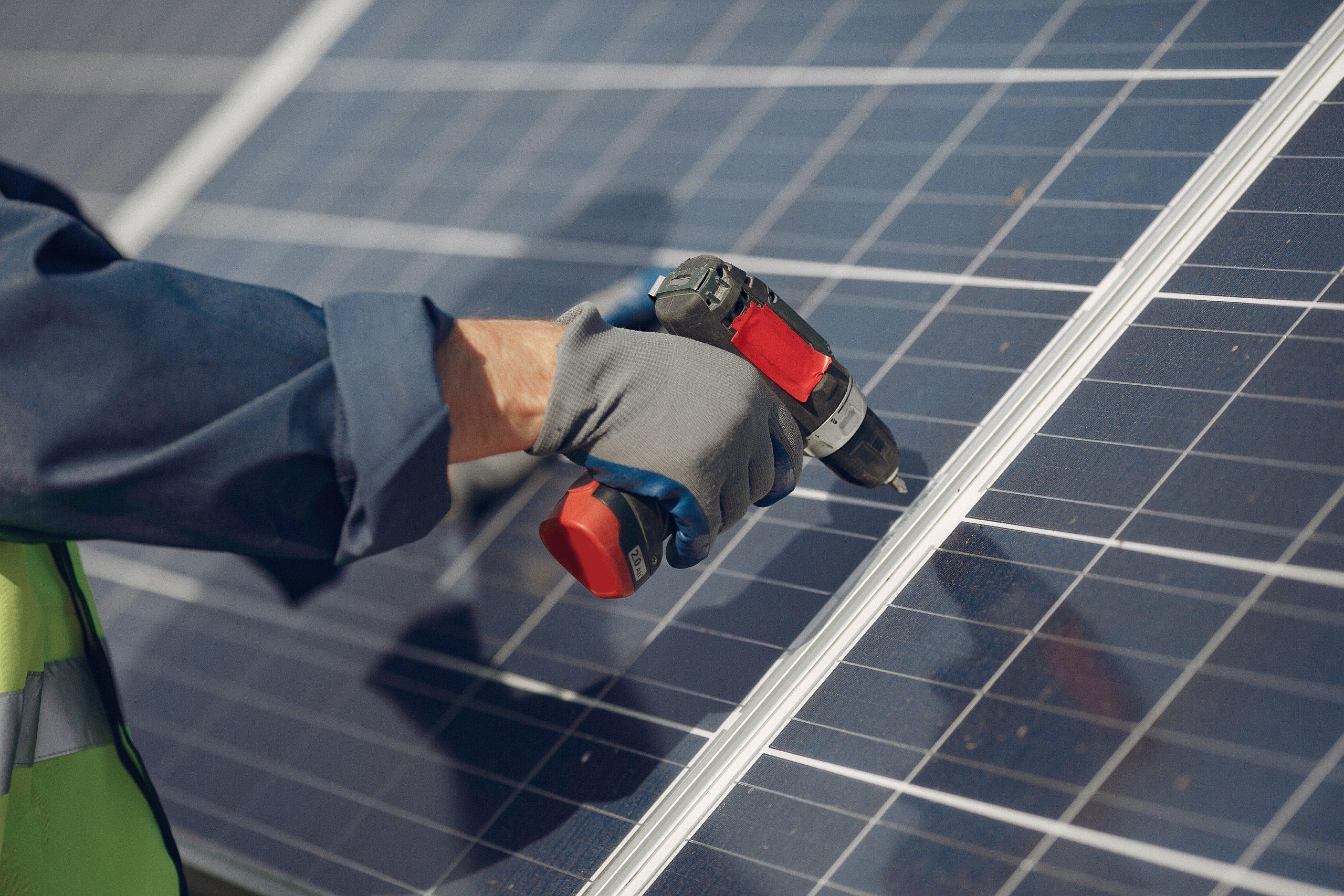Cabos adequados nas instalações fotovoltaicas aumentam vida útil do sistema